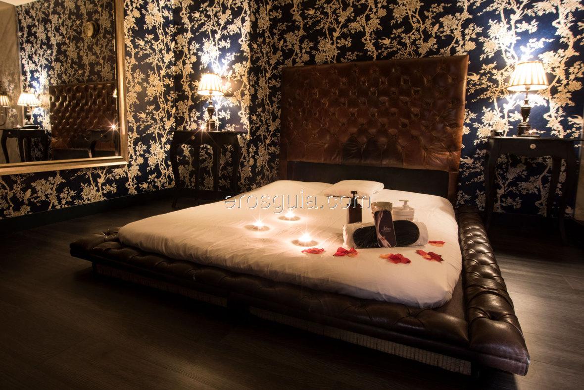 Disponen de 4 habitaciones dotadas del máximo lujo: camas, tatamis y...